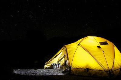 berbagai jenis tenda untuk kemah atau camping