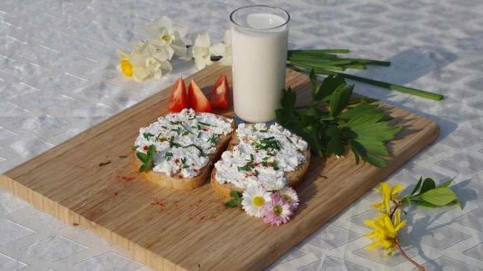 Wallpaper: Breakfast from Slovakia with Cheese and Milk