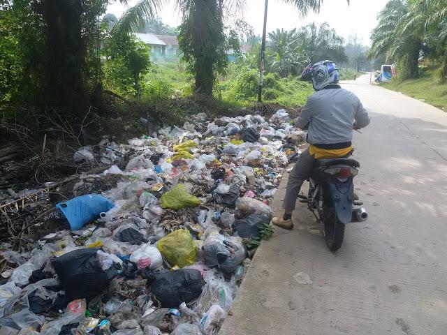 Warga Kelukan Tumpukan Sampah Dan Aromah Tidak Sedap