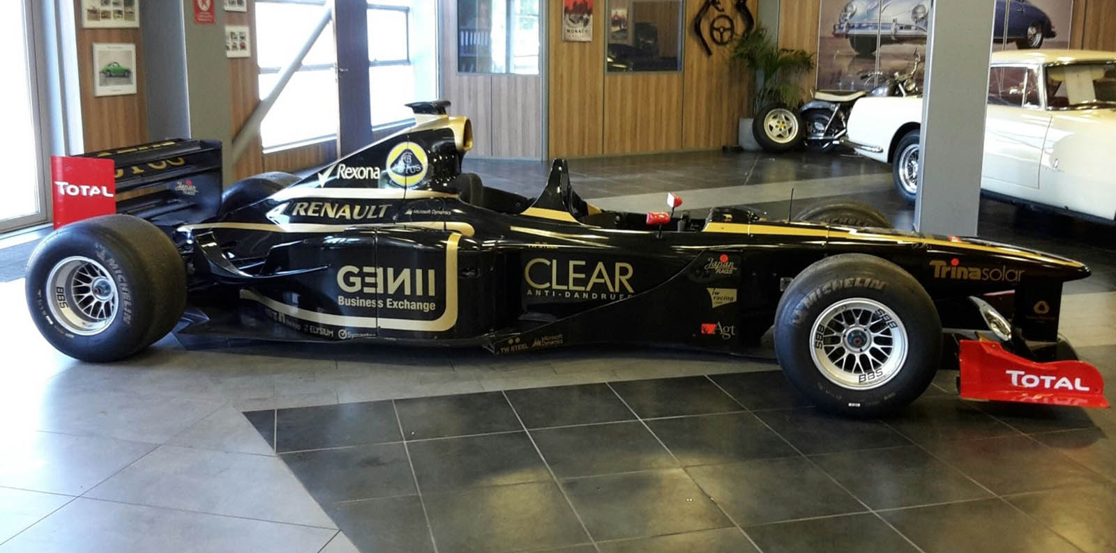 Single Seater? Buy Your Own F1 Car... With Room For Two | Carscoops