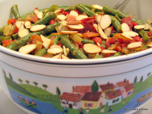 Green Beans with Onion and Bacon Vinaigrette at Miz Helen's Country Cottage