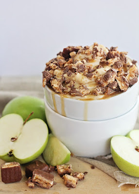 Snickers and Caramel Apple Dip, Apple Recipes
