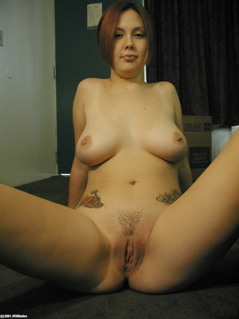 lllll Nikmatnya Lihat Tante Yang Sedang Memamerkan Vagina Hot