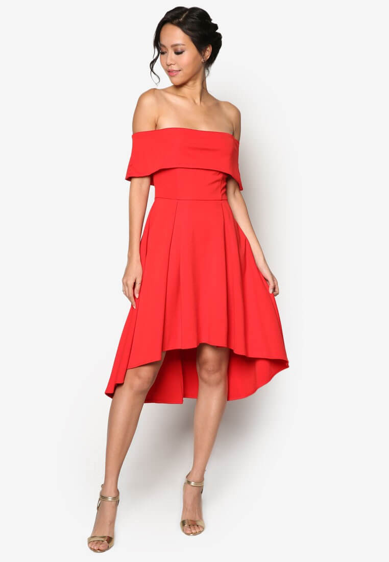 Red Dress, Warna Yang Memikat