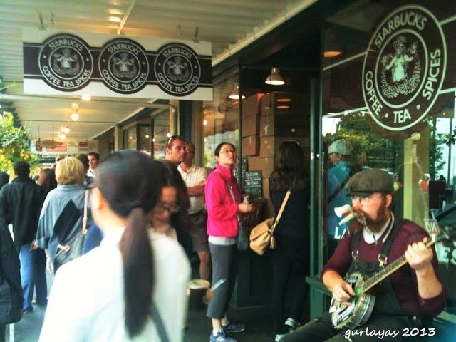 first ever Starbucks at Pike Place Market, Seattle by gurlayas.blgospot.com