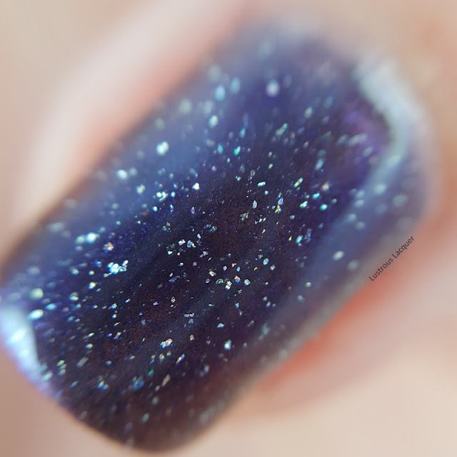 Blurple-multi-chrome-nail-polish-with-scattered-holo