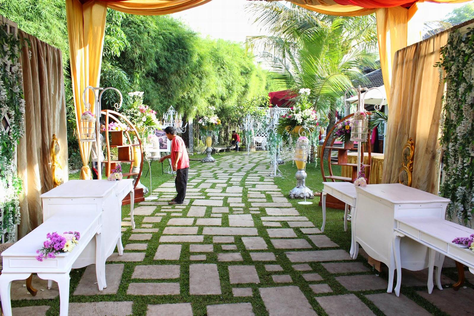dekorasi wedding outdoor