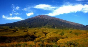 Mount Rinjani National Park The Most Beautiful Climbing Indonesia Attraction