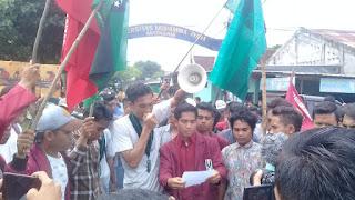 Aksi Tolak Jokowi Diwarnai Kericuhan