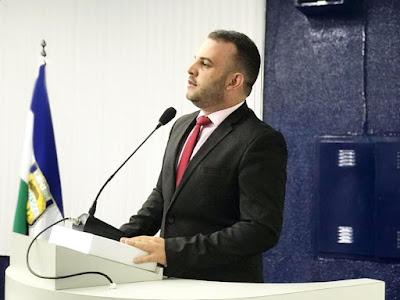 VEREADOR MAX DE ZÉ DE TOINHO QUER QUE GOVERNO DE SERGIPE ASFALTE O POVOADO SERRA DO MACHADO.
