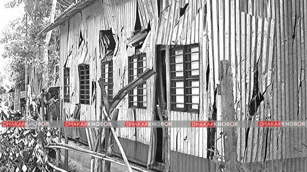 এইচএসসির কেন্দ্রে ঢুকতে না পেরে ছাত্রলীগ নেতার ভাঙচুর