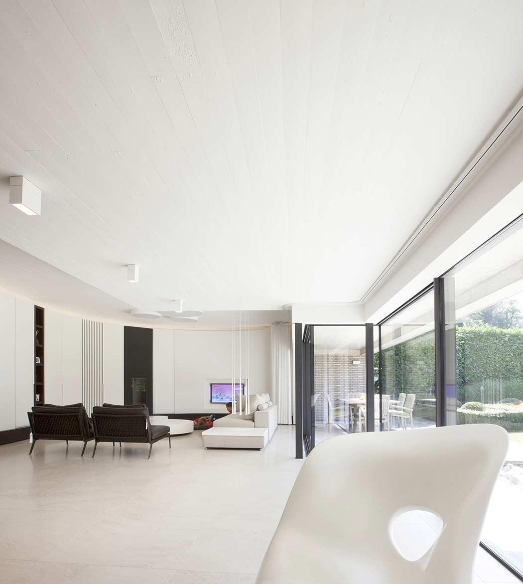 De 50 fotos de salas decoradas modernas peque as for Casa minimalista rustica