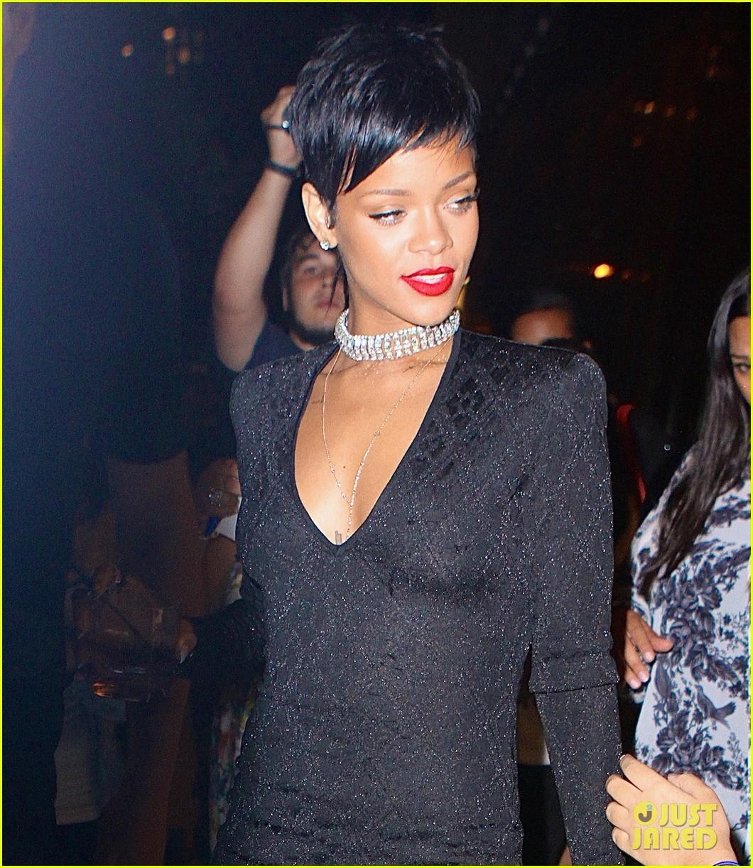 Official Rihanna Style Watch thread - Black Hair Media ... |Rihanna 2013