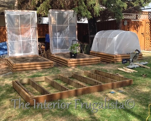 Mini greenhouses for raised beds