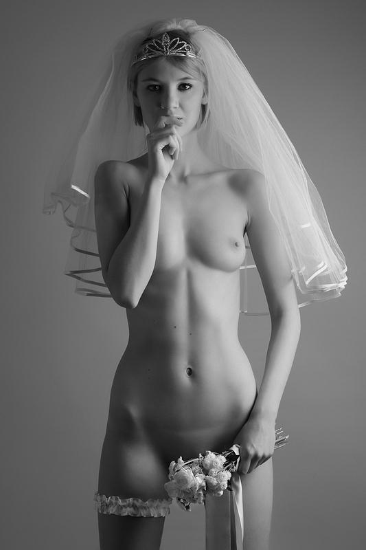говоря фото-видео голой невесты сбивать молодое поколение