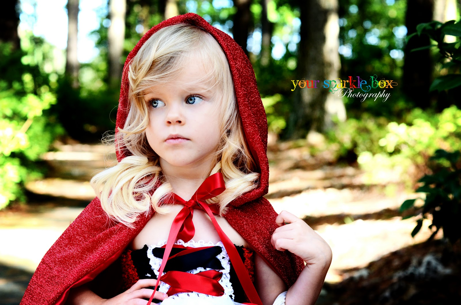 Your Sparkle Box Photography: What Big Eyes You Have