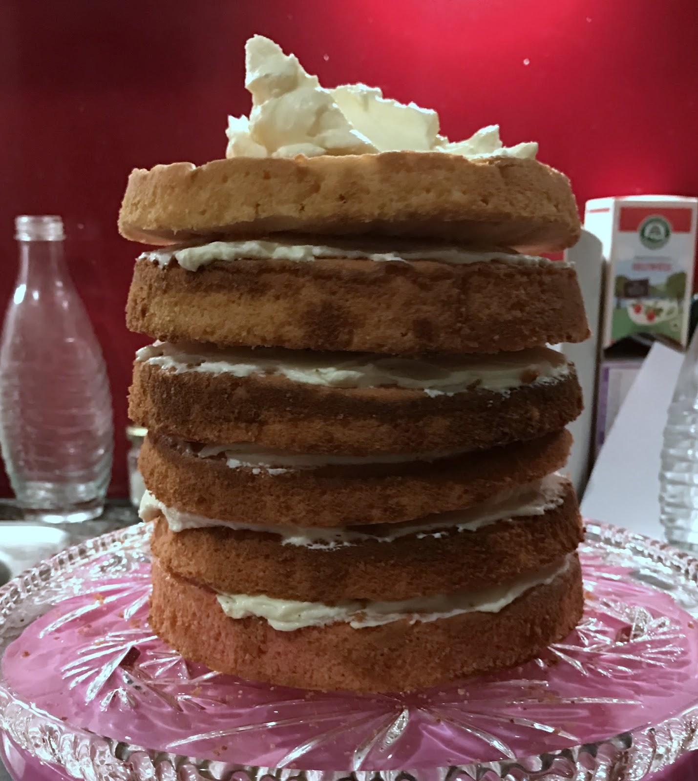 LanisLeckerEcke: Ein Dripcake Zum Geburtstag