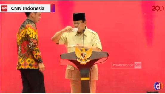 "Video Gaya Pidato Prabowo Sambil Ngopi Tiru Model Iklan "" Gue kalau iklan kopi, Gue laku kali ya """