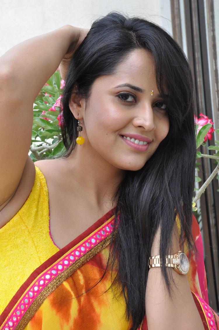 Hot sexy boobs in saree