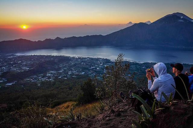 Tips Mendaki Gunung Batur, Gunung Tertinggi Kedua di Bali