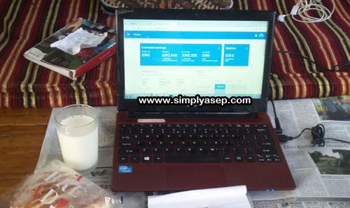 SHUT DOWN : Ikuti tata tertib men shut down komputer anda dengan tertib demi keamanan dan kenyamanan anda sendiri.  Foto Asep Haryono / www.simplyasep.com