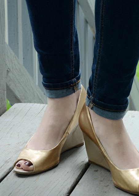 Old Shoe Makeover: Save Those Scuffed Up Heels /// By Design Fixation