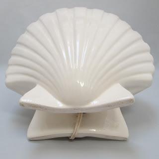 White Shell light bottom view-electric plug bottom view of cord