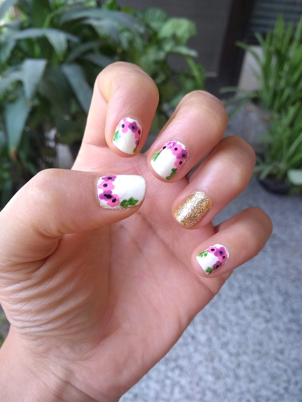 Cute Floral Nails Inspired By Floral Wreath