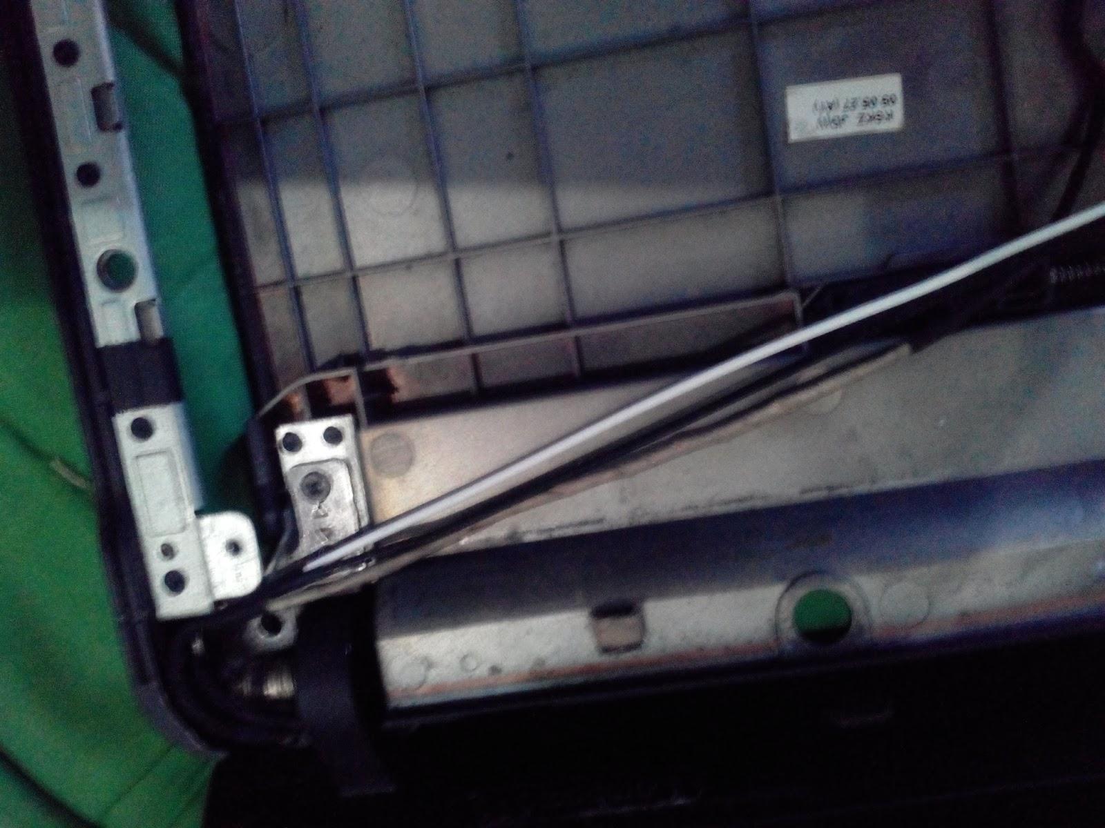 Trouble Shooting Baterai Cmos Laptop Compaq Cq 515 Mencari Ilmu Labtop Cr 2032 Kabel 10 Mulai Melepas Casing Dalam Perlahan Hati Perlu Kecermatan Untuk Koneksi Mousepad Juga Di Lepas Dari Motherboard