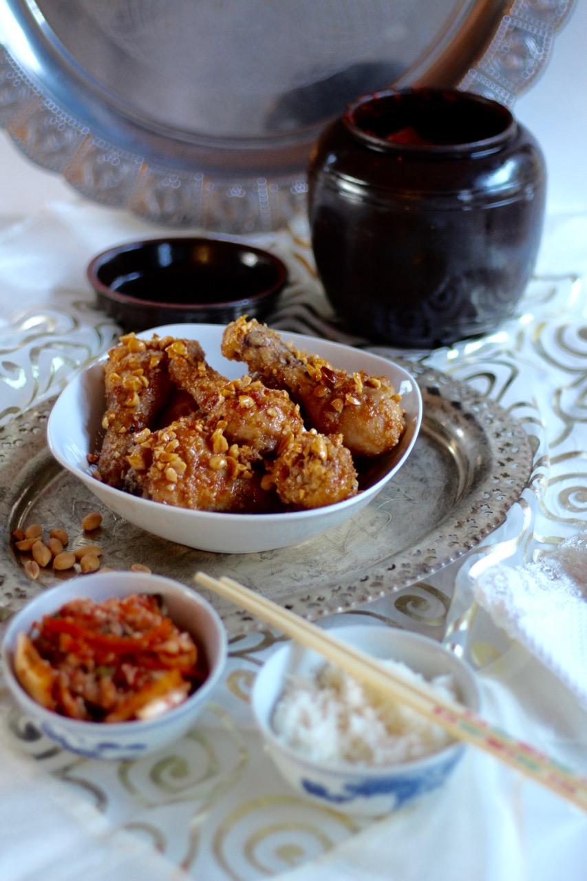 Knuspriges frittiertes Huhn mit Kimchi und Reis nach Maangchi