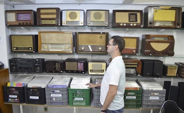 Dezenas de rádios de ondas curtas