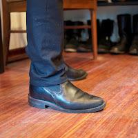 ブラックタイドメインレザーのウエスコ製、ロメオ。ハーフミッドソールにMPトゥでシャープな印象。