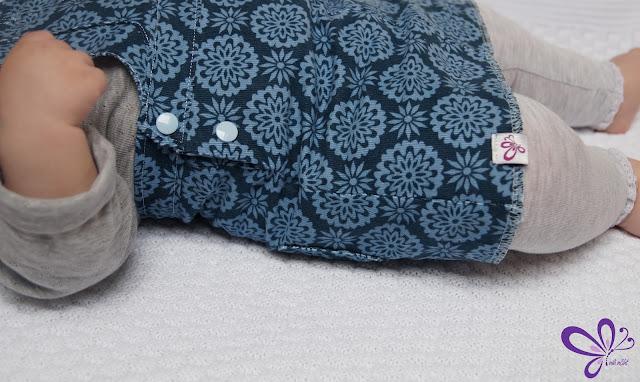 Latzrock Miri von Freestyle Rocker, Latzkleid, Babykleidung, Babycord/Feincord Blumen von Stenzo