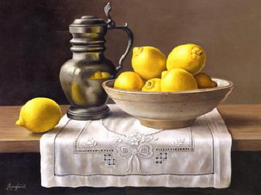 cuadro con frutas ctricas y jarrn sobre tela blanca
