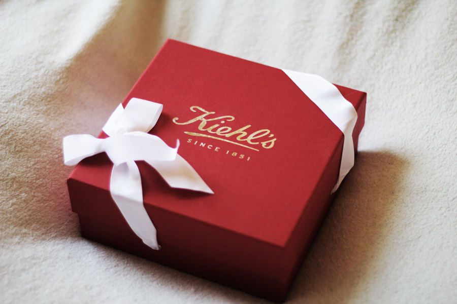 kiehls beauty products gifting box