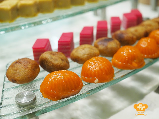 Ramadhan Buffet 2018 Cobalt Room Ritz Carlton Kuala Lumpur Traditional Malay Kuih Muih - Malaysian Desserts