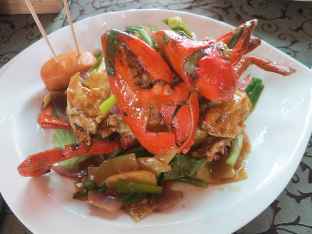 Stir-Fried Ginger and Onion Crab