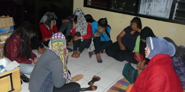 Kisah Seorang Dosen UIN Membooking 8 PSK Sekaligus Dalam Satu Kamar!