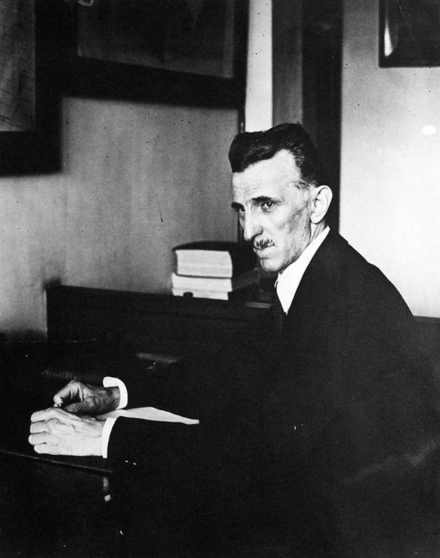 25 Rare And Fascinating Photos Of Nikola Tesla Vintage