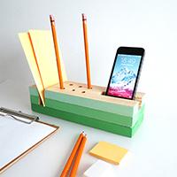 http://www.ohohdeco.com/2015/10/diy-wooden-desk-organizer.html