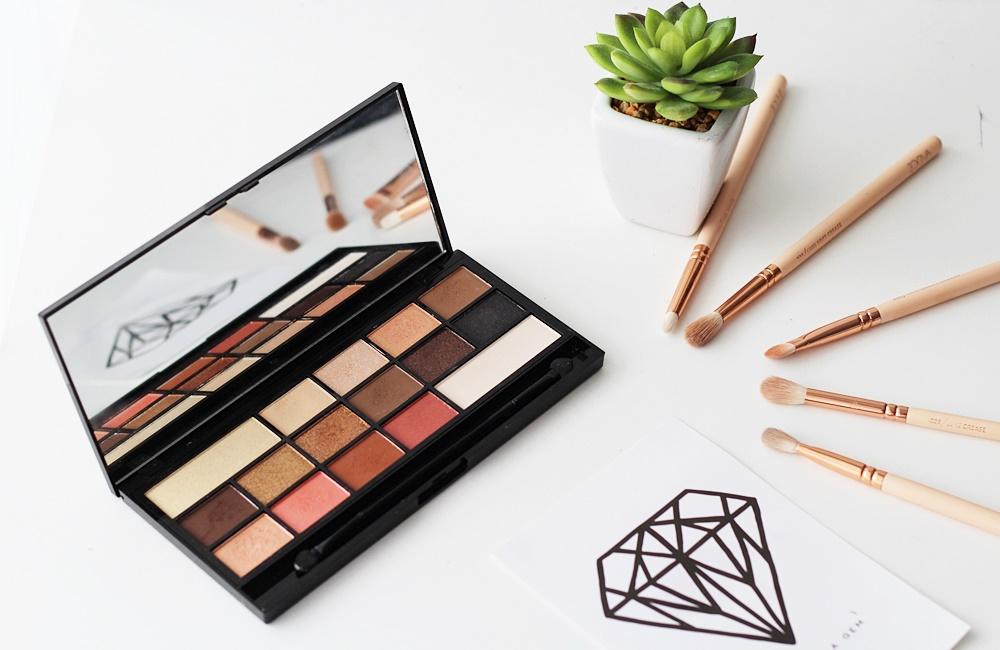 Paletki z makeup revolution