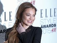 Dikabarkan Memeluk Islam, Lindsay Lohan Ucapkan Salam di Instagram