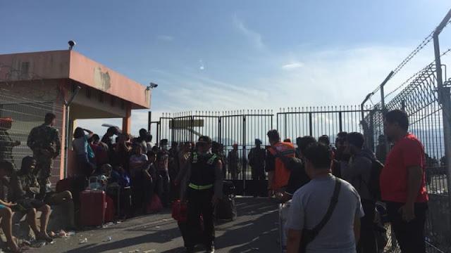 Gempa Kembali Guncang Palu, Warga di Bandara Berhamburan
