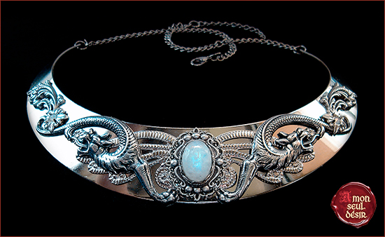 Moonstone Necklace Silver Dragon Medieval Renaissance Collier Pierre de Lune Reine Moyen Age Game of Thrones Daenerys Targaryen