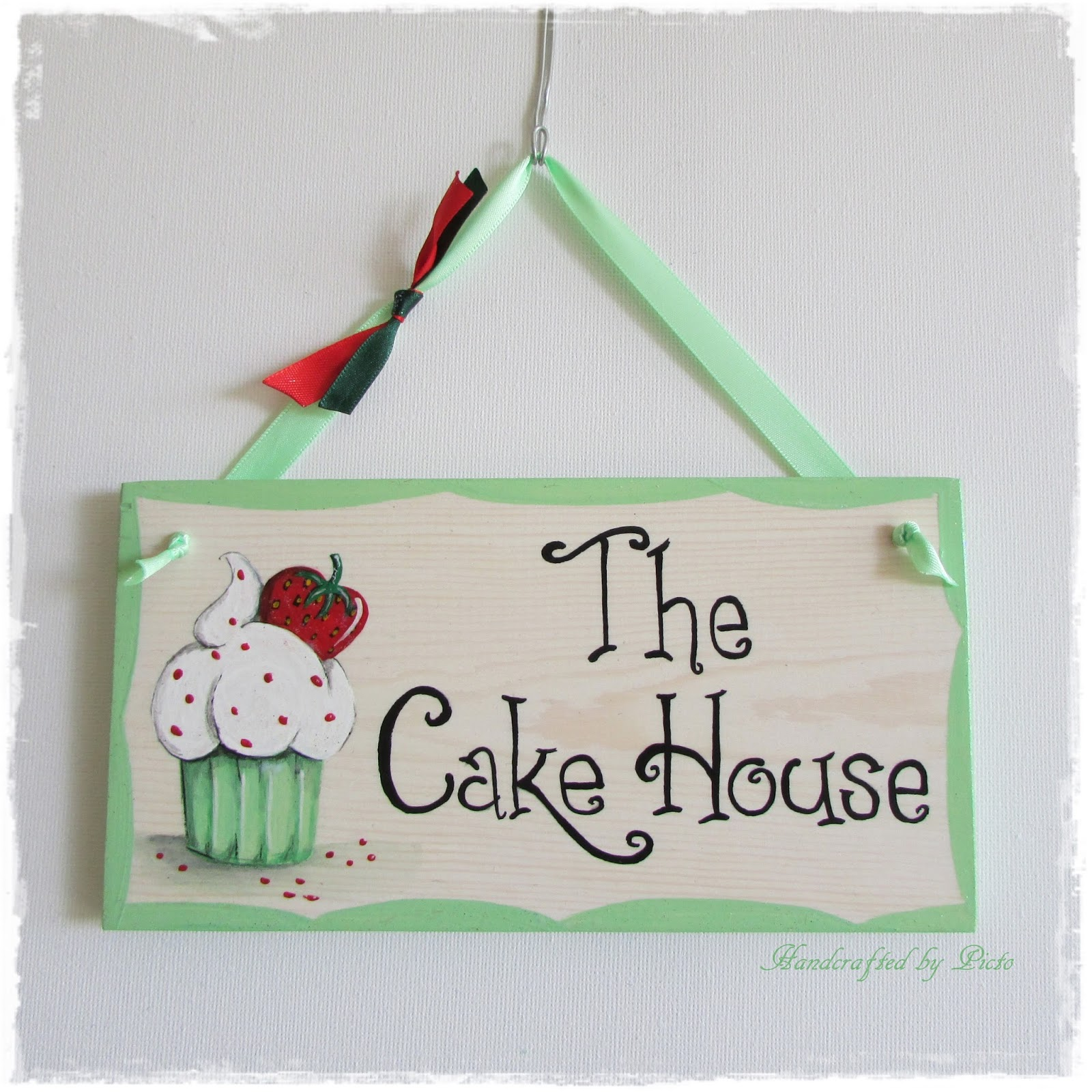 kitchen plaques black cabinets handcrafted by picto strawberry cupcake plaque