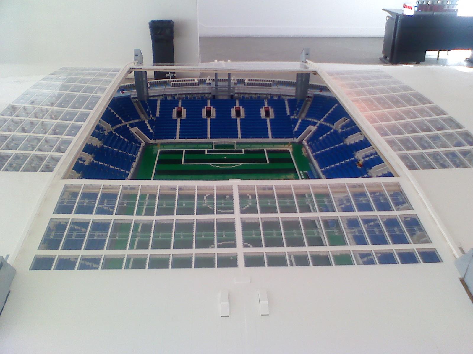 Kosta de Alhabaite  Estádio do Dragão em legos 876daecf59ae2