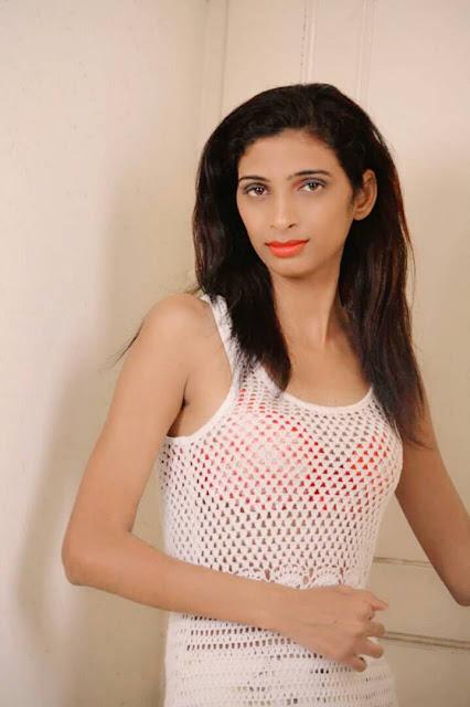 Actress Dipanshi Tiwari