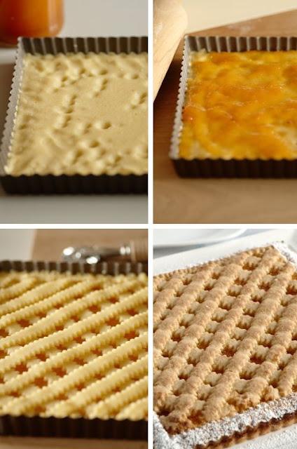 Crostata alla marmellata in uno stampo quadrato