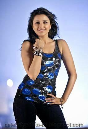 Sexy Indian Actress Parineeti Chopra Latest Hot and Stunning Pics