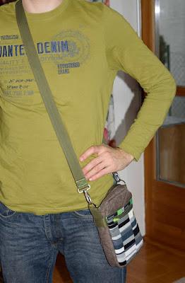 Ansicht der getragenen Tasche als Größenvergleich